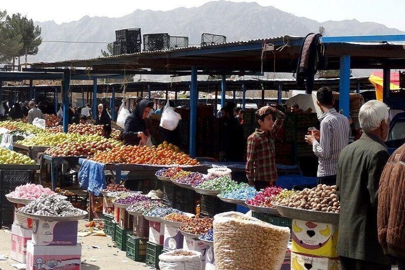 خبرنگاران عضو شورای شهر همدان: مصوبه ای برای تعطیلی روز بازارها نداریم
