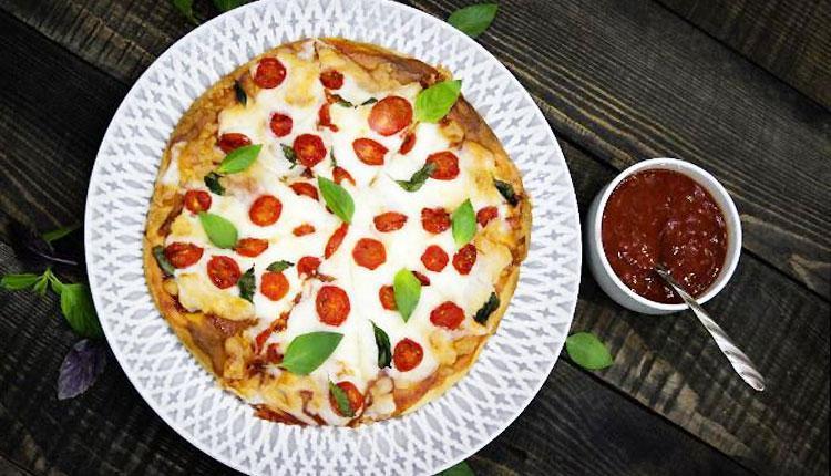 طرز تهیه خمیر پیتزا با یک فرمول حرفه ای، به صورت تصویری