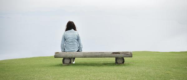 احساس تنهایی چیست؟ چگونه احساس تنهایی نکنیم؟