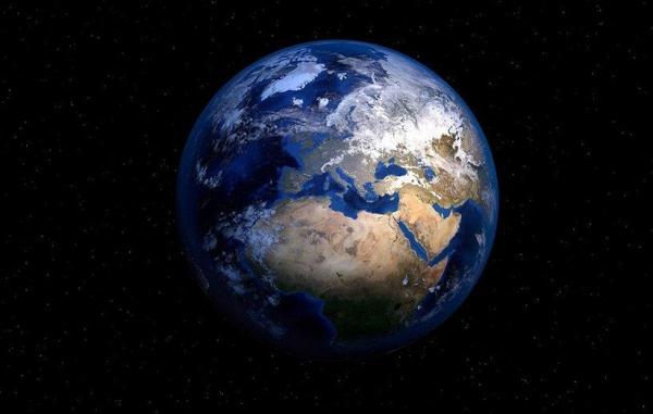 زمین به تازگی سریع تر به دور خودش می چرخد