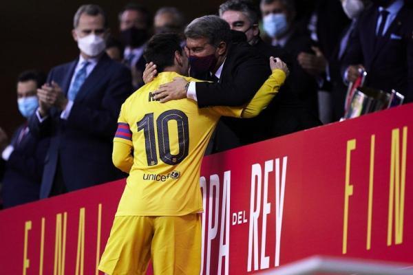 خبرنگاران مخالفت رییس باشگاه بارسلونا برای پیوستن به سوپرلیگ اروپا