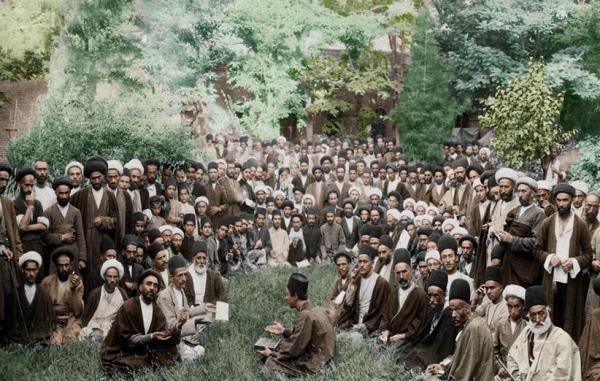 3 کتاب مهم که برای آشنایی با انقلاب مشروطه در ایران باید بخوانید